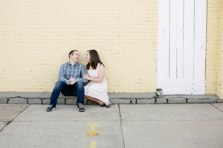 downtown-louisville-engagement-photos-119