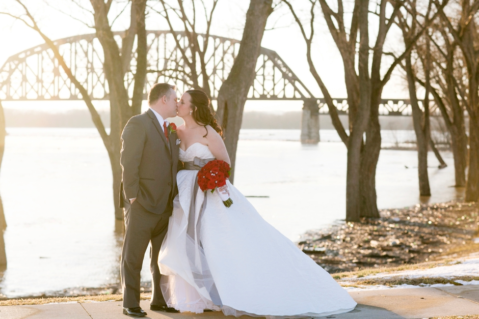 jeffersonville-indiana-louisville-wedding-winter-045