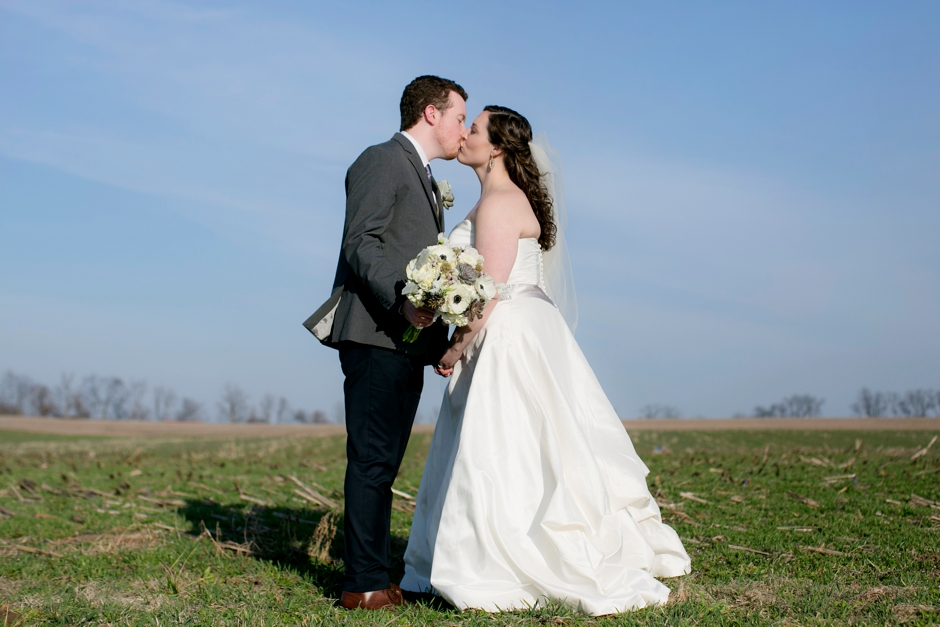 gallreins-farm-wedding-shelbyville-ky-spring-049