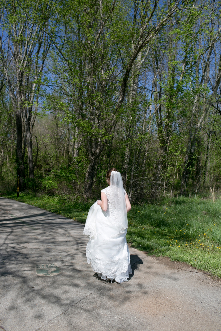 bowling-green-wedding-photos-outdoor-spring-042