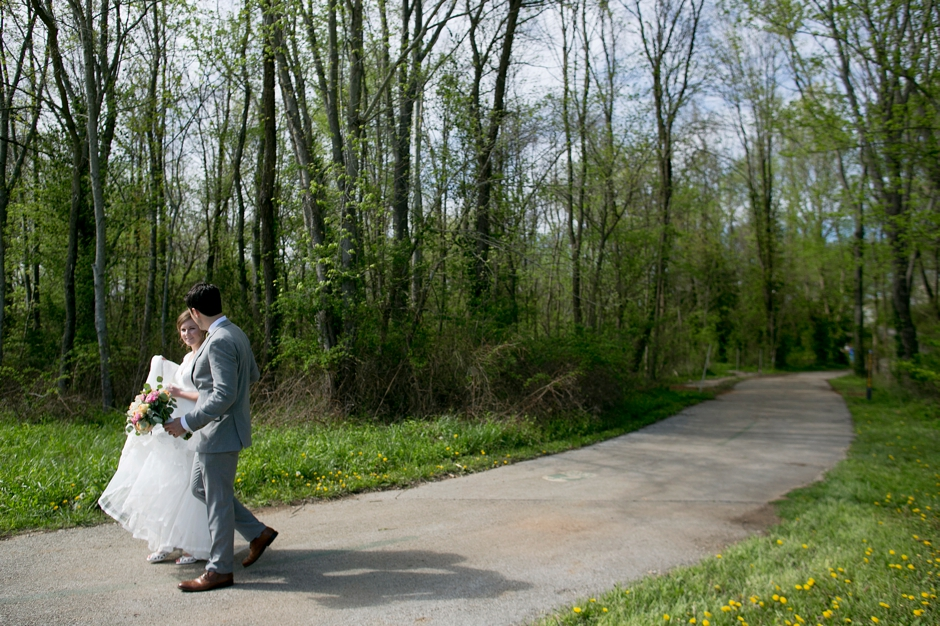 bowling-green-wedding-photos-outdoor-spring-072