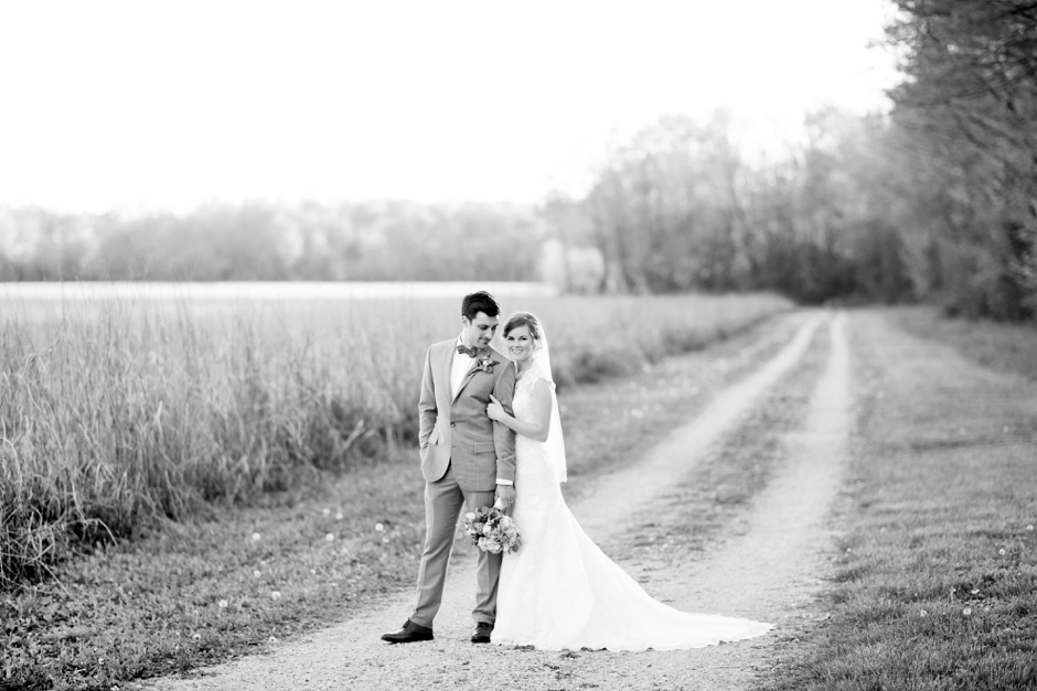 bowling-green-wedding-photos-outdoor-spring-102