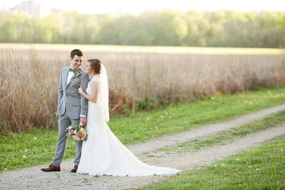 bowling-green-wedding-photos-outdoor-spring-103