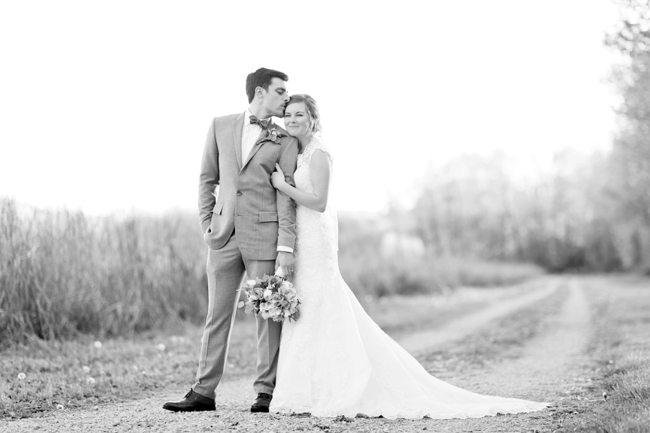 bowling-green-wedding-photos-outdoor-spring-105
