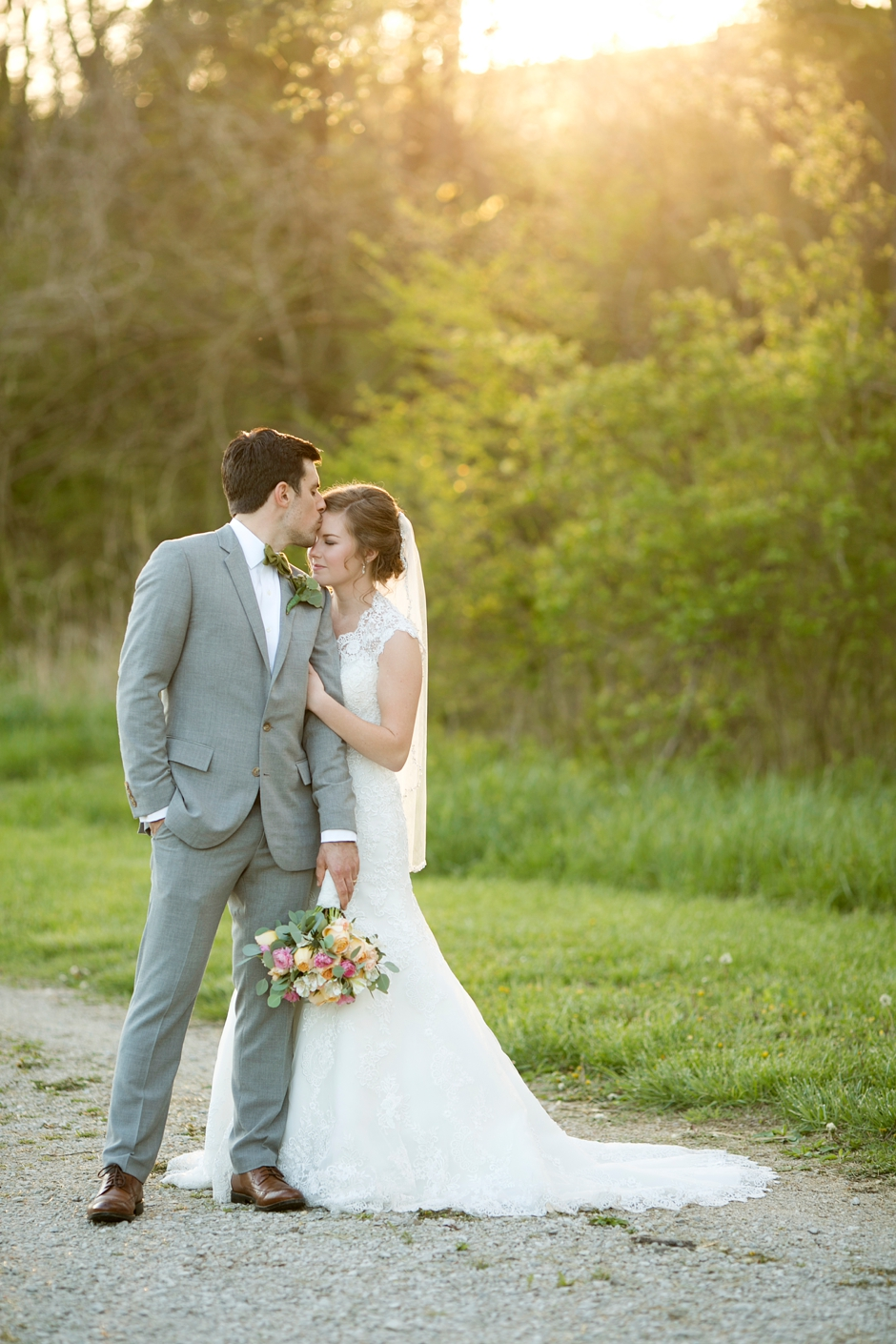 bowling-green-wedding-photos-outdoor-spring-110