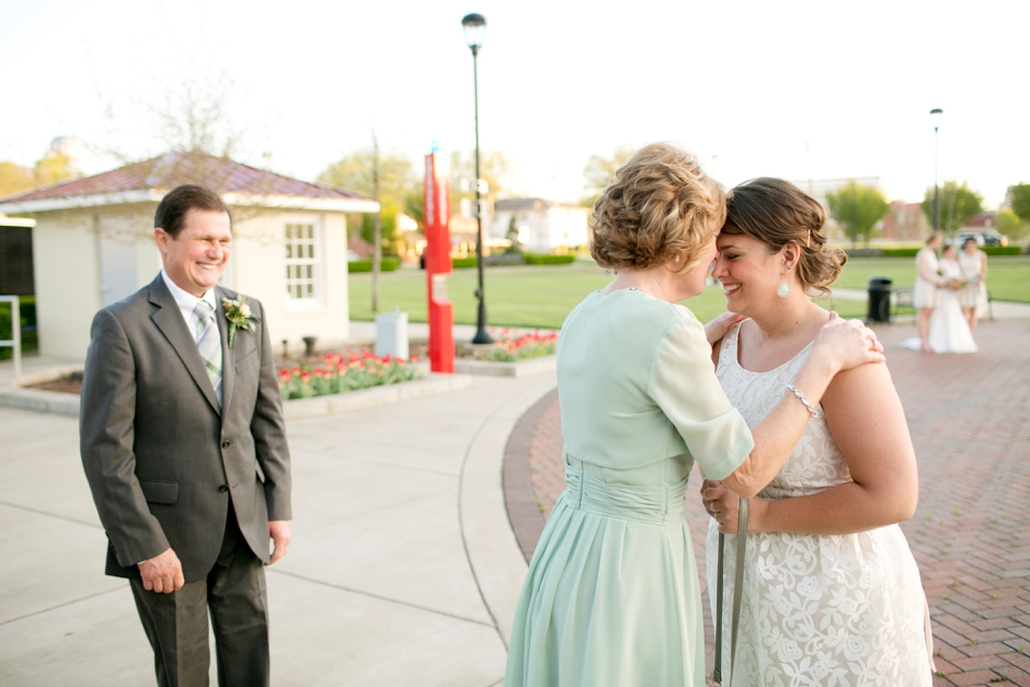 bowling-green-wedding-photos-outdoor-spring-119