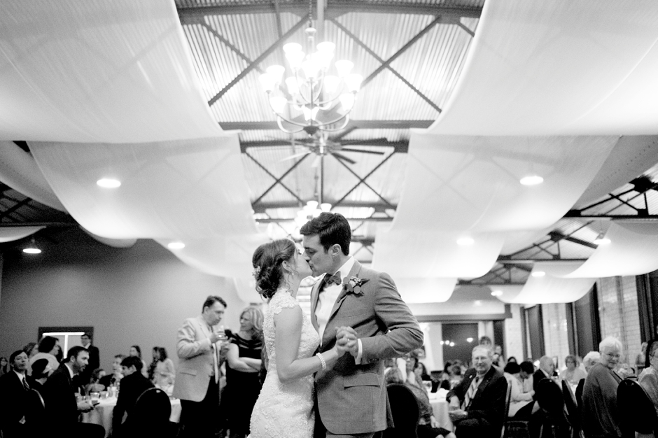 bowling-green-wedding-photos-outdoor-spring-131