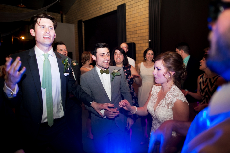 bowling-green-wedding-photos-outdoor-spring-136