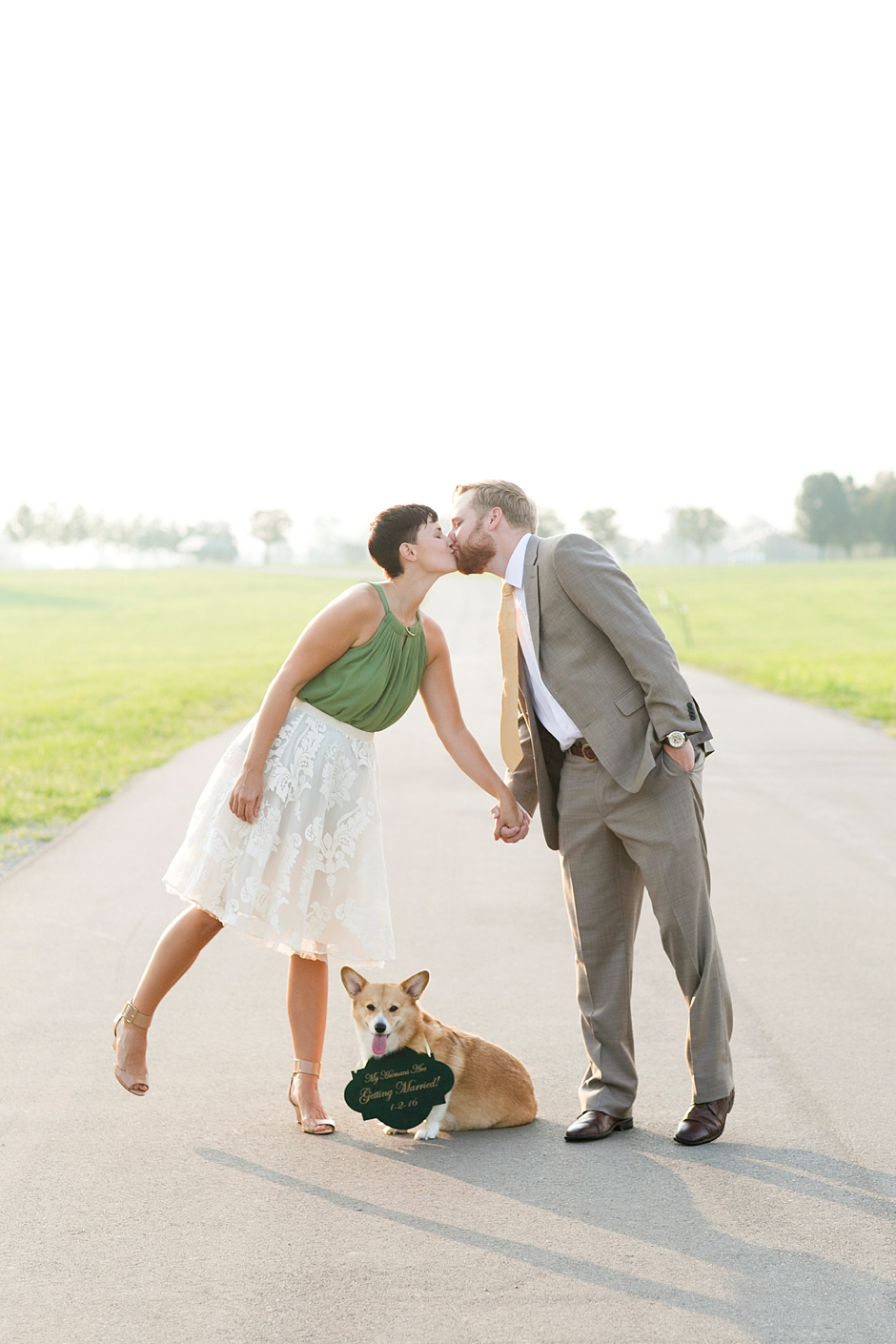 keeneland-engagement-photos-corgi-bluegrass-ky-equestrian-017