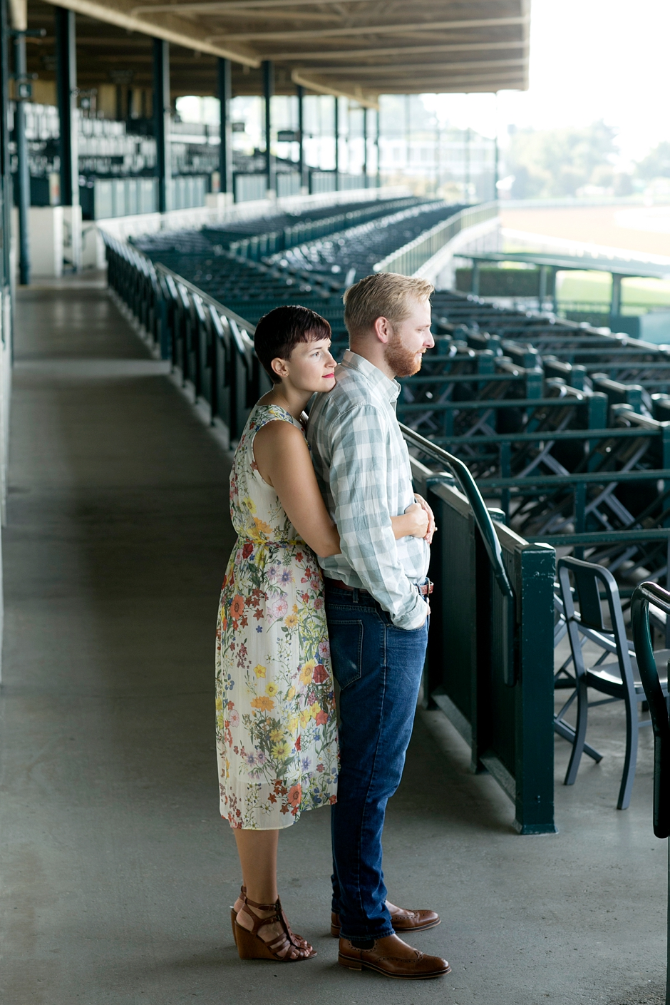 keeneland-engagement-photos-corgi-bluegrass-ky-equestrian-038