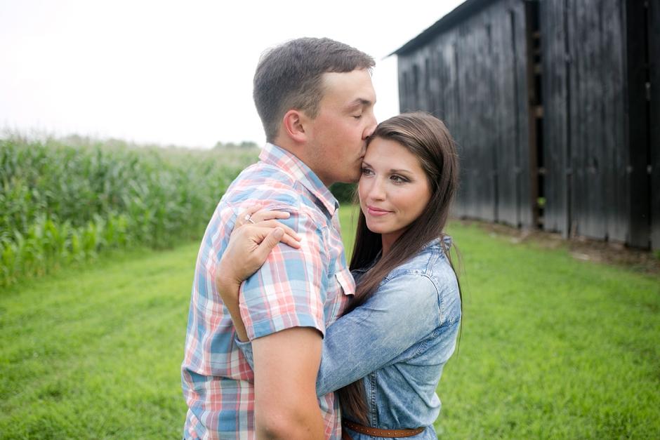 southern-farm-engagement-photos-06