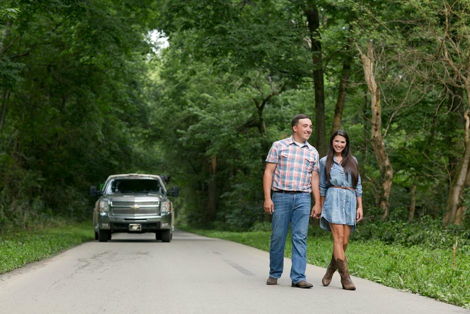 southern-farm-engagement-photos-20