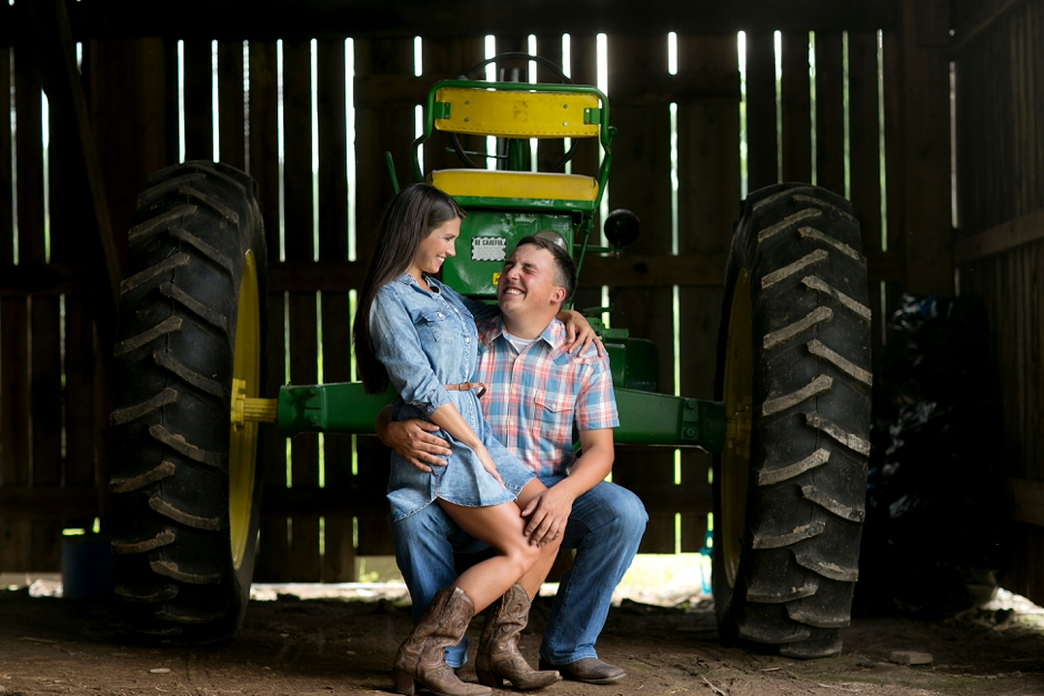 southern-farm-engagement-photos-25