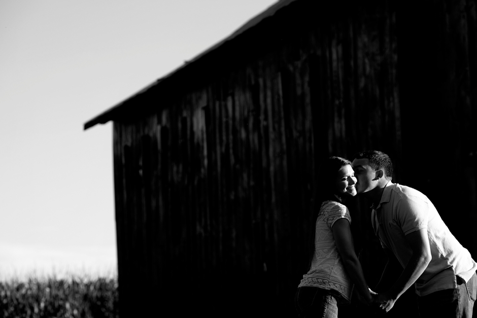 southern-farm-engagement-photos-36
