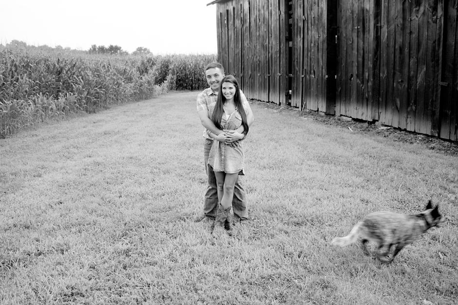 southern-farm-engagement-photos-45
