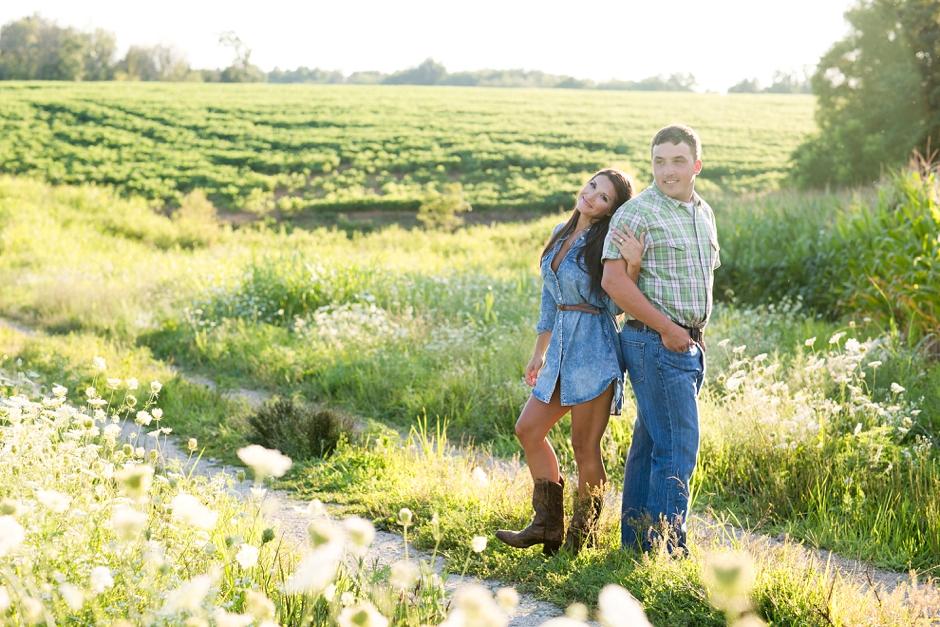 southern-farm-engagement-photos-51