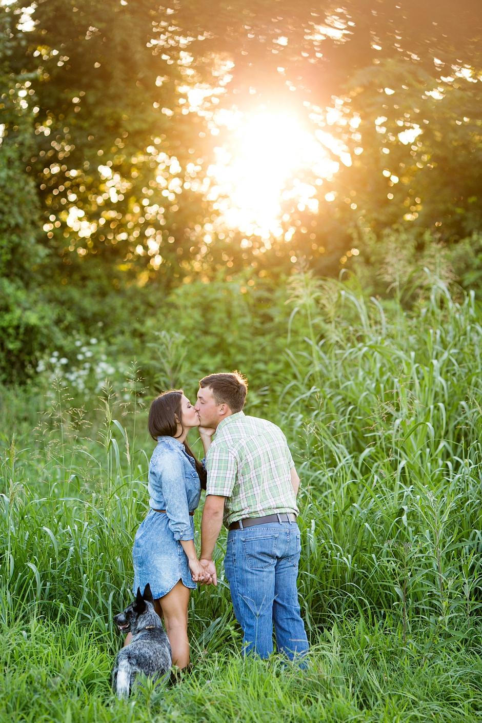 southern-farm-engagement-photos-59