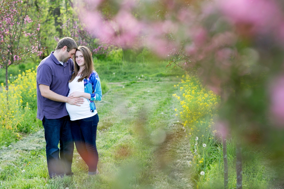 louisville-maternity-session-park-little-girl-60