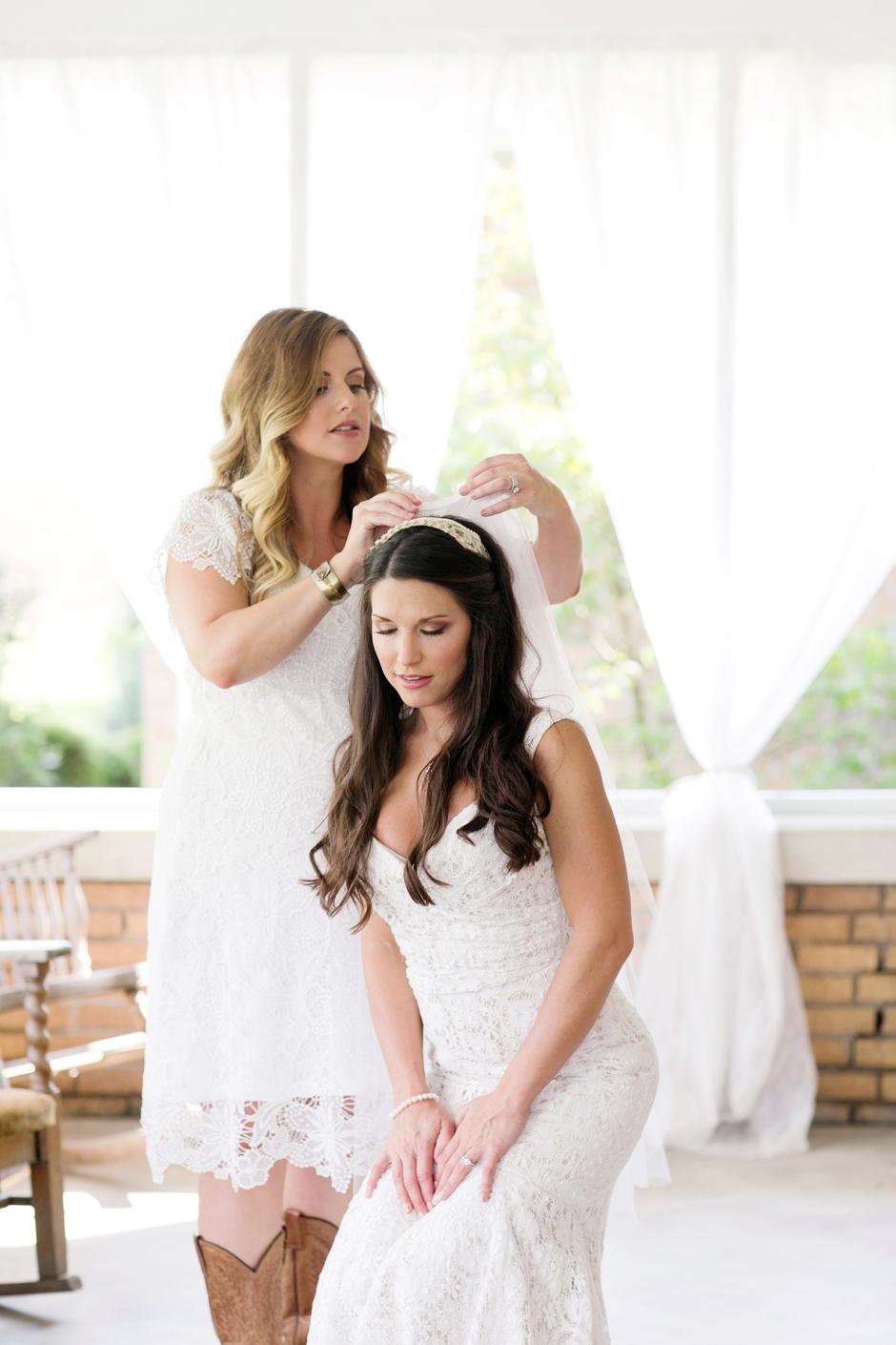 langley-farm-bourbon-wedding-spring-cream-bride-woodford-687