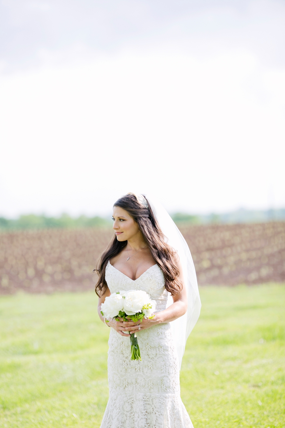 langley-farm-bourbon-wedding-spring-cream-bride-woodford-698
