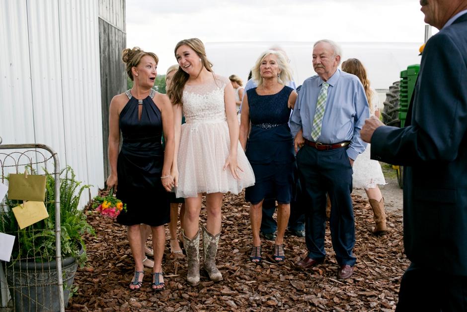 langley-farm-bourbon-wedding-spring-cream-bride-woodford-714