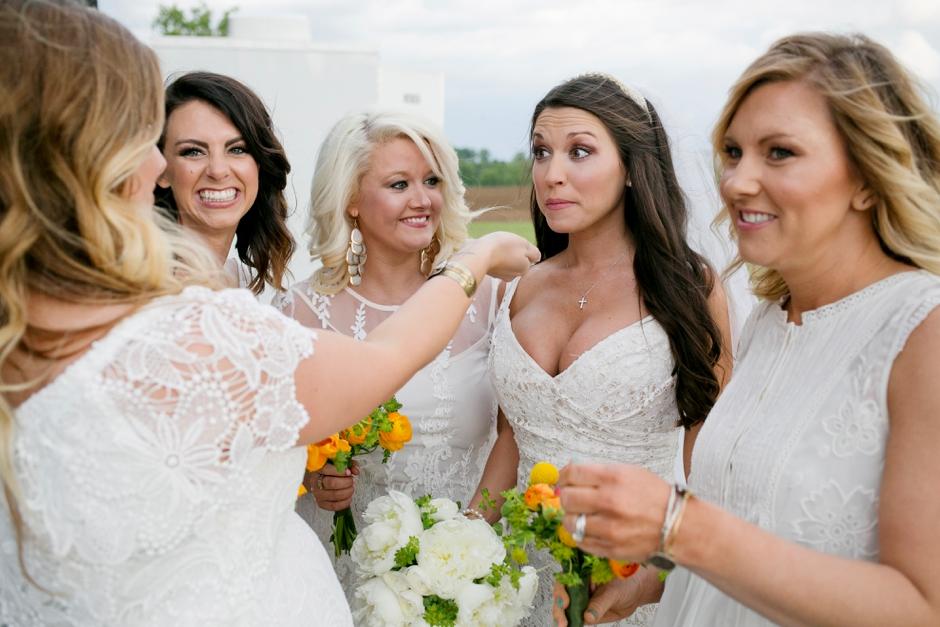 langley-farm-bourbon-wedding-spring-cream-bride-woodford-716