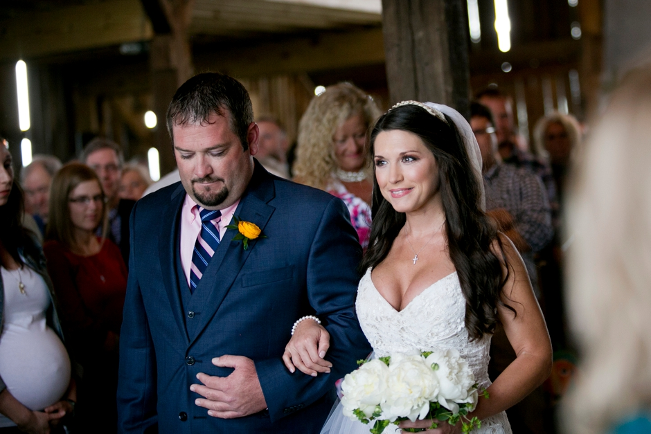 langley-farm-bourbon-wedding-spring-cream-bride-woodford-721