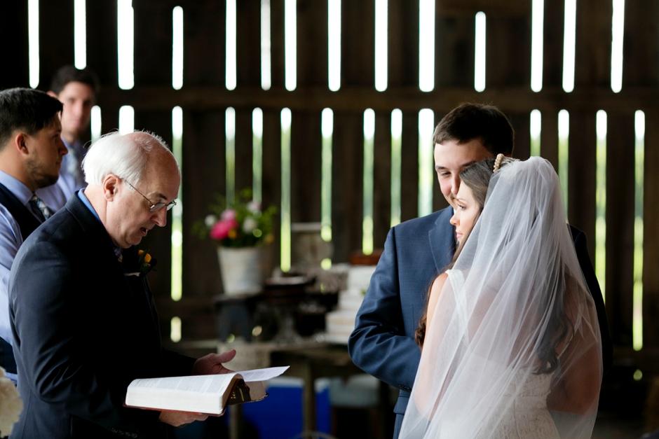 langley-farm-bourbon-wedding-spring-cream-bride-woodford-725