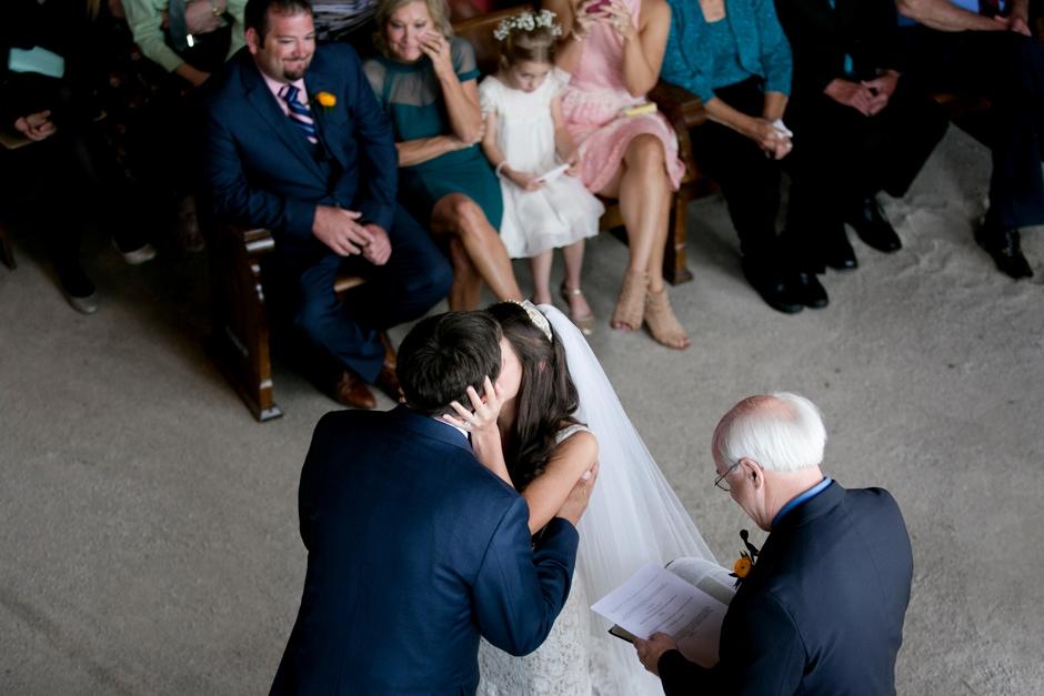 langley-farm-bourbon-wedding-spring-cream-bride-woodford-735