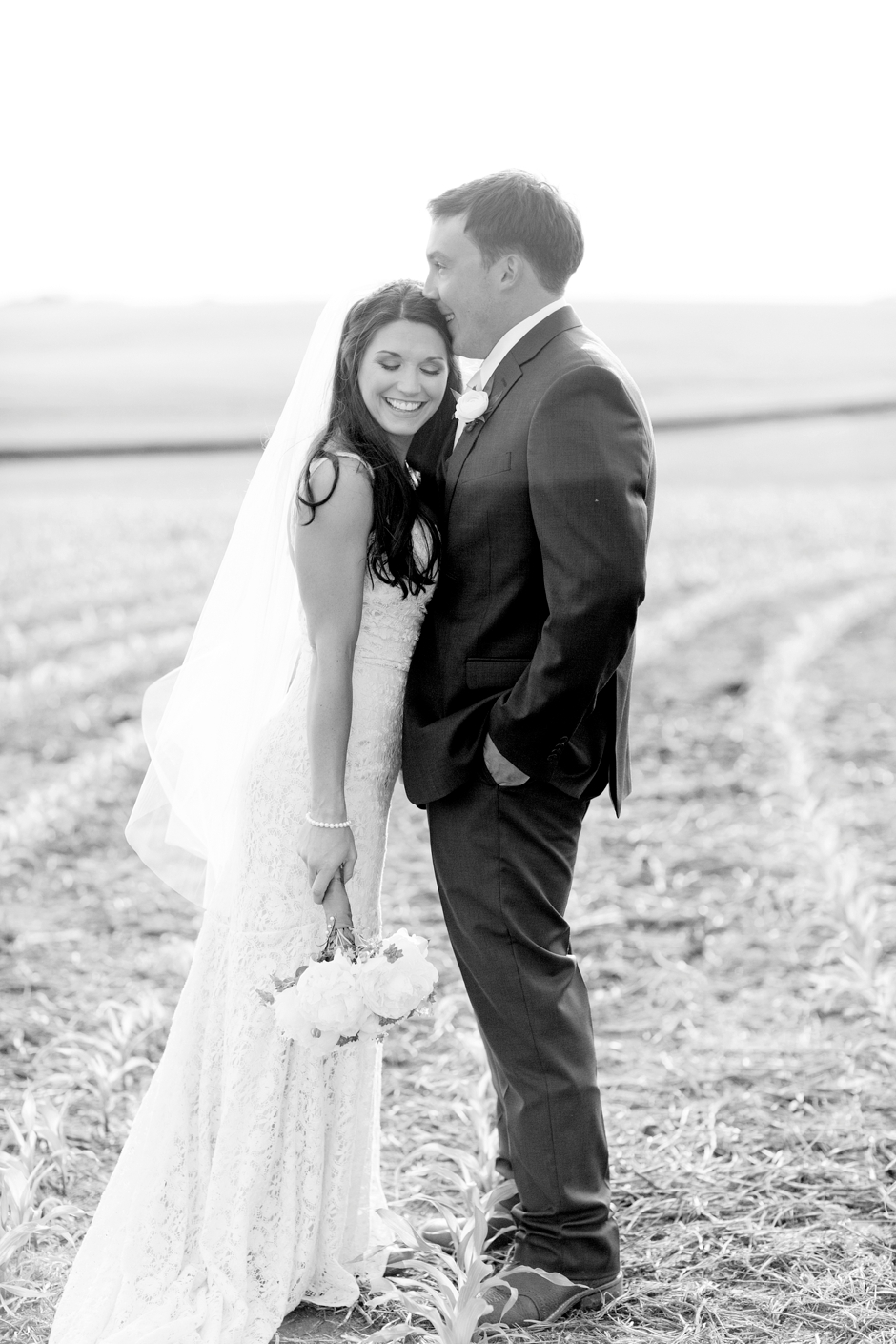 langley-farm-bourbon-wedding-spring-cream-bride-woodford-746