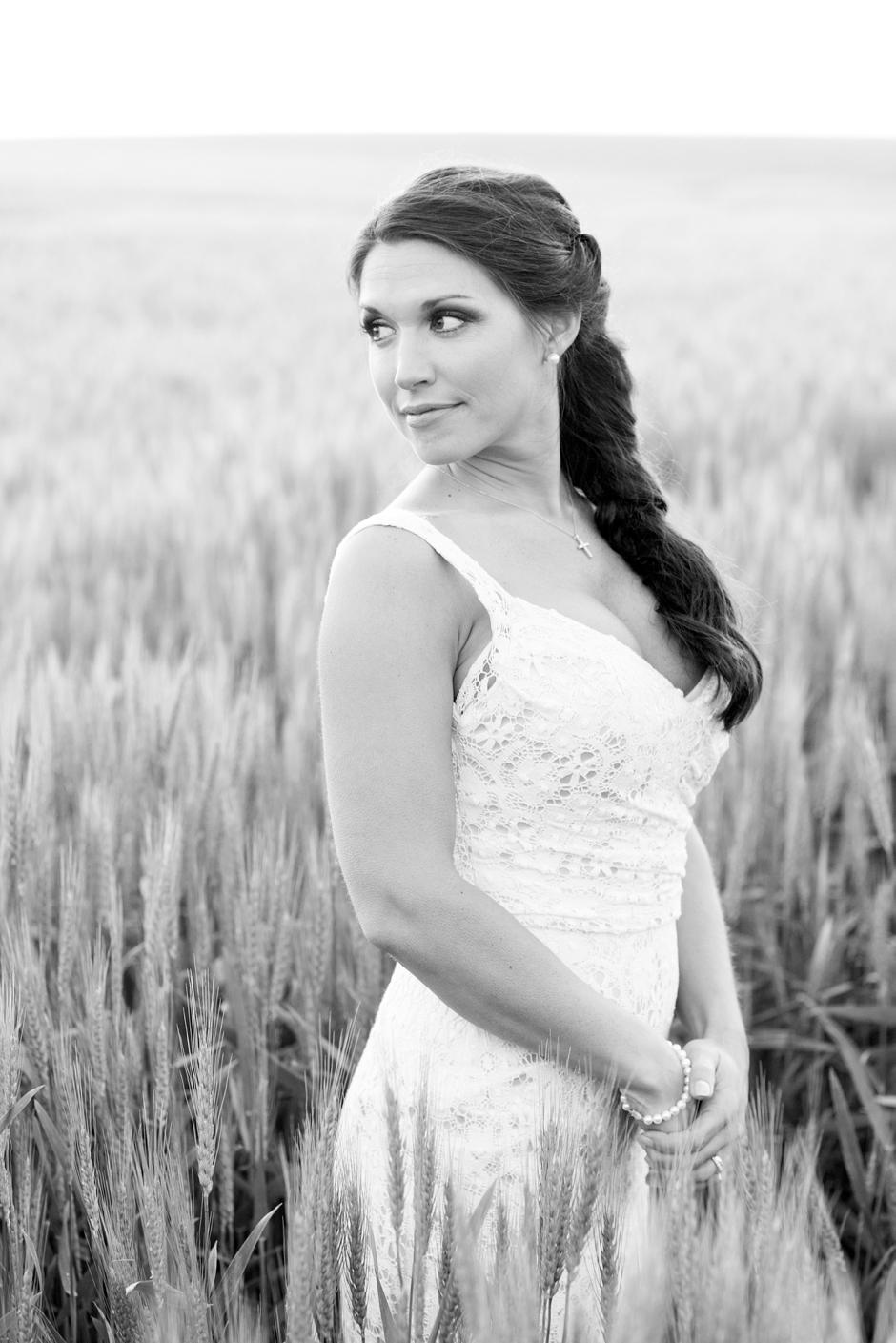 langley-farm-bourbon-wedding-spring-cream-bride-woodford-765