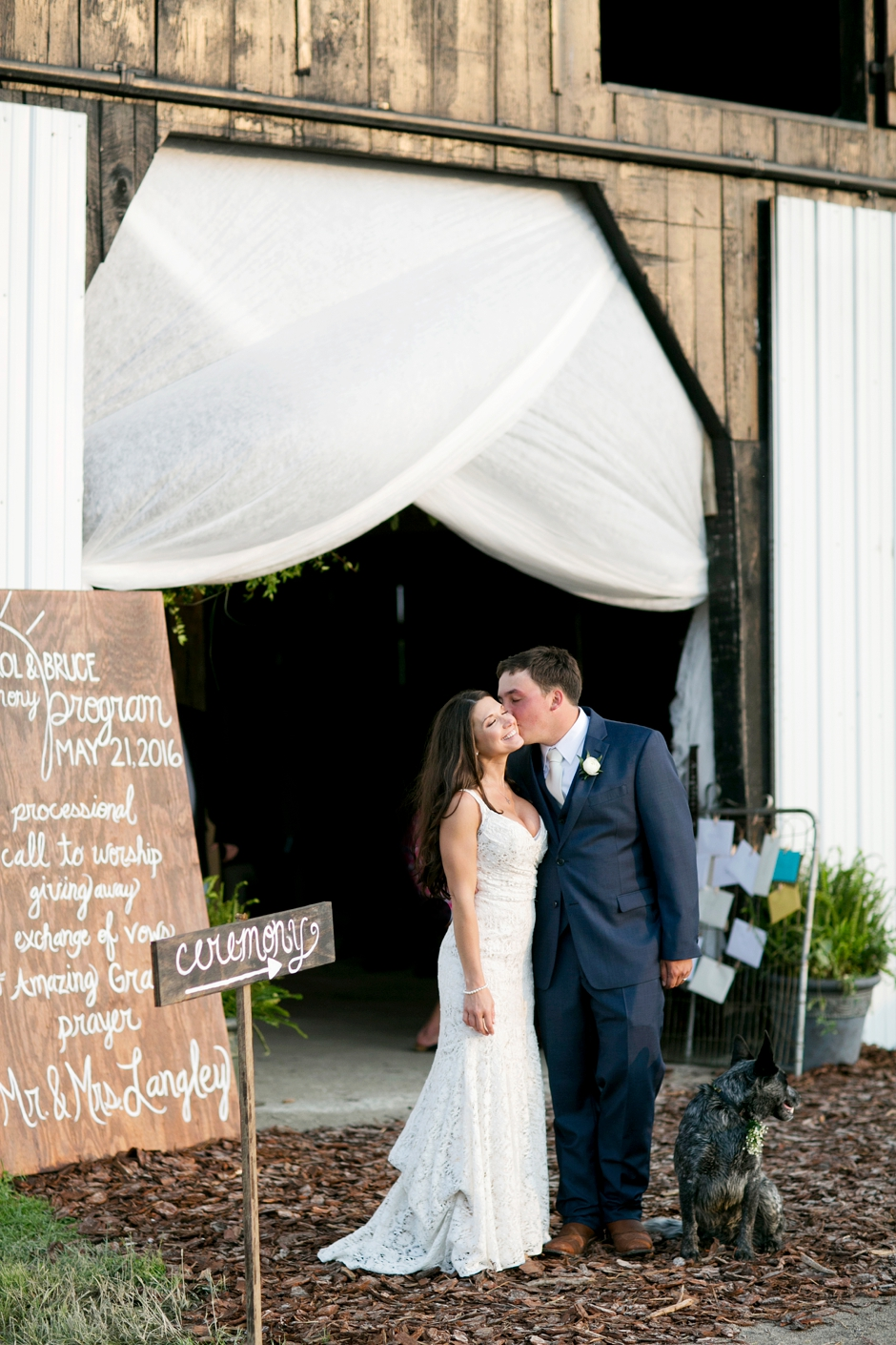 langley-farm-bourbon-wedding-spring-cream-bride-woodford-767