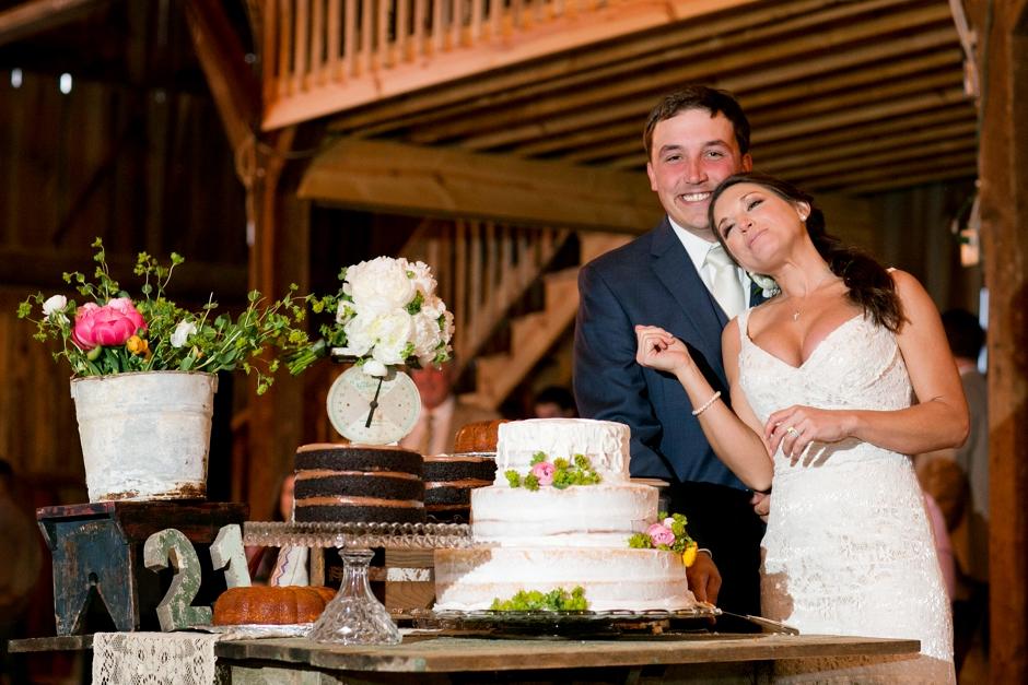 langley-farm-bourbon-wedding-spring-cream-bride-woodford-781