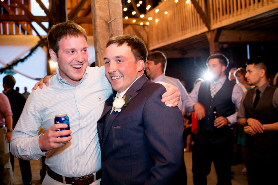 langley-farm-bourbon-wedding-spring-cream-bride-woodford-784