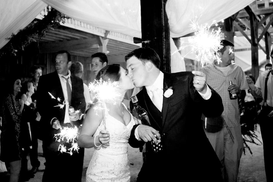 langley-farm-bourbon-wedding-spring-cream-bride-woodford-793