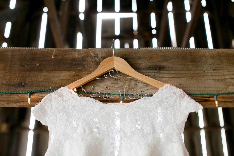 kentucky-spring-wedding-red-orchard-park-blush-557
