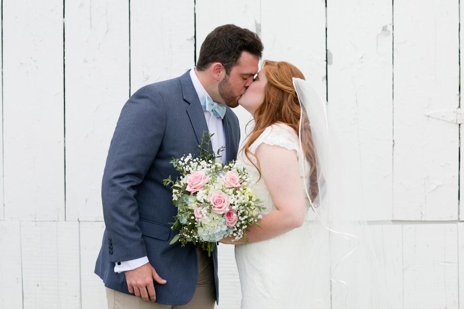 kentucky-spring-wedding-red-orchard-park-blush-571
