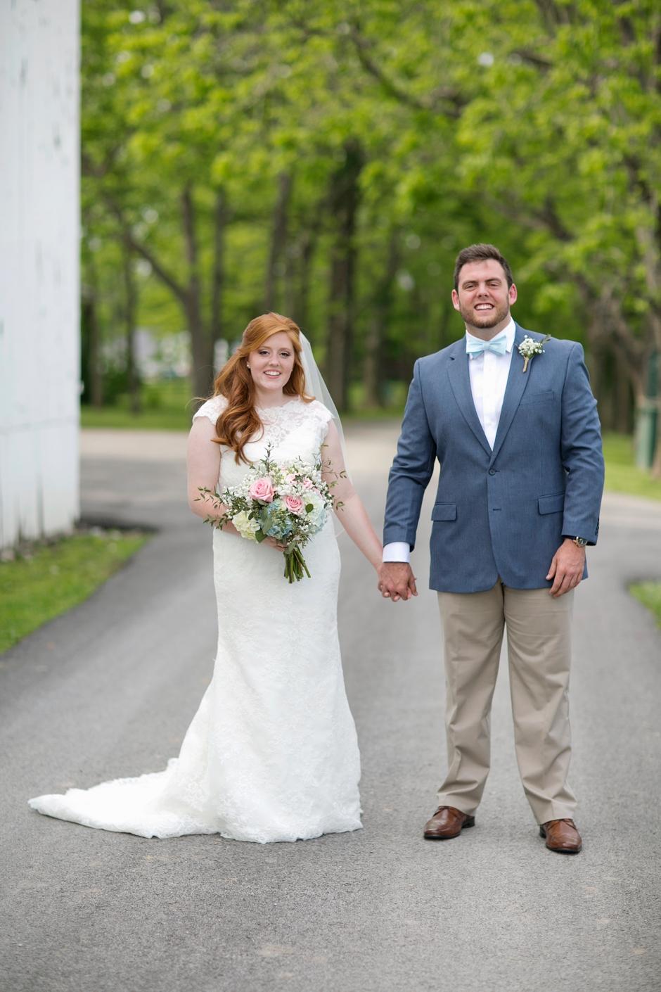 kentucky-spring-wedding-red-orchard-park-blush-580