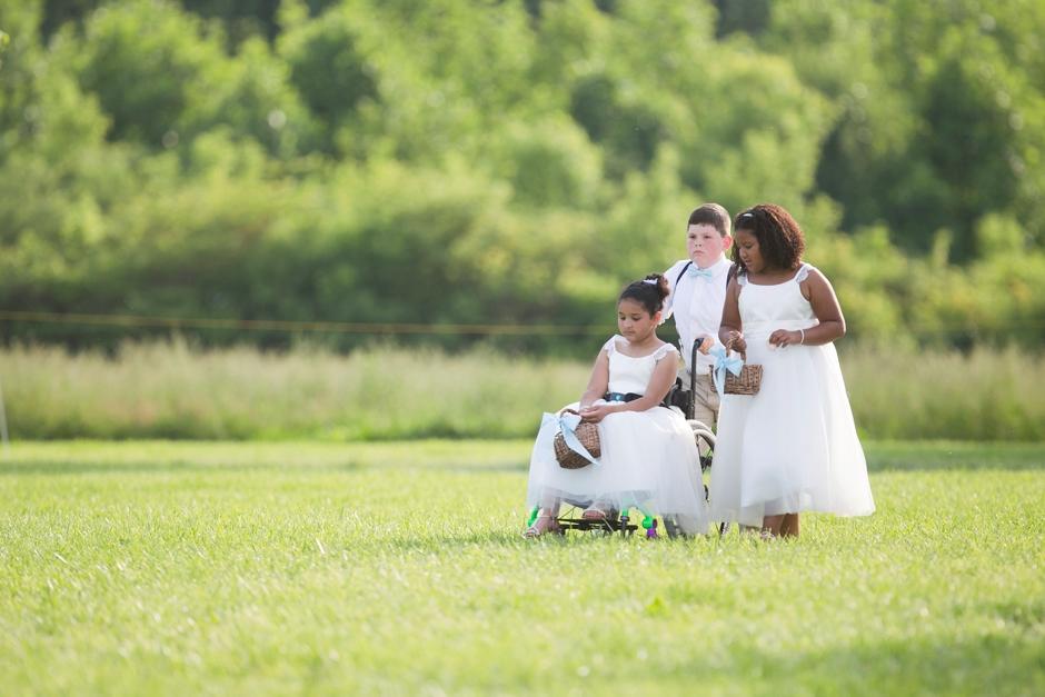 kentucky-spring-wedding-red-orchard-park-blush-600