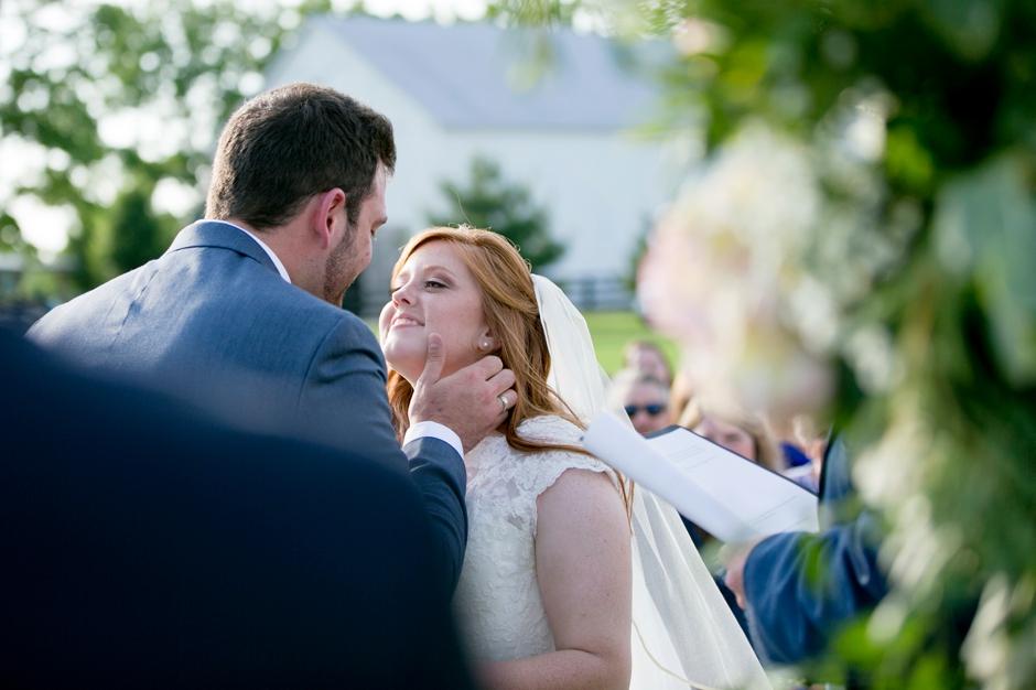 kentucky-spring-wedding-red-orchard-park-blush-610