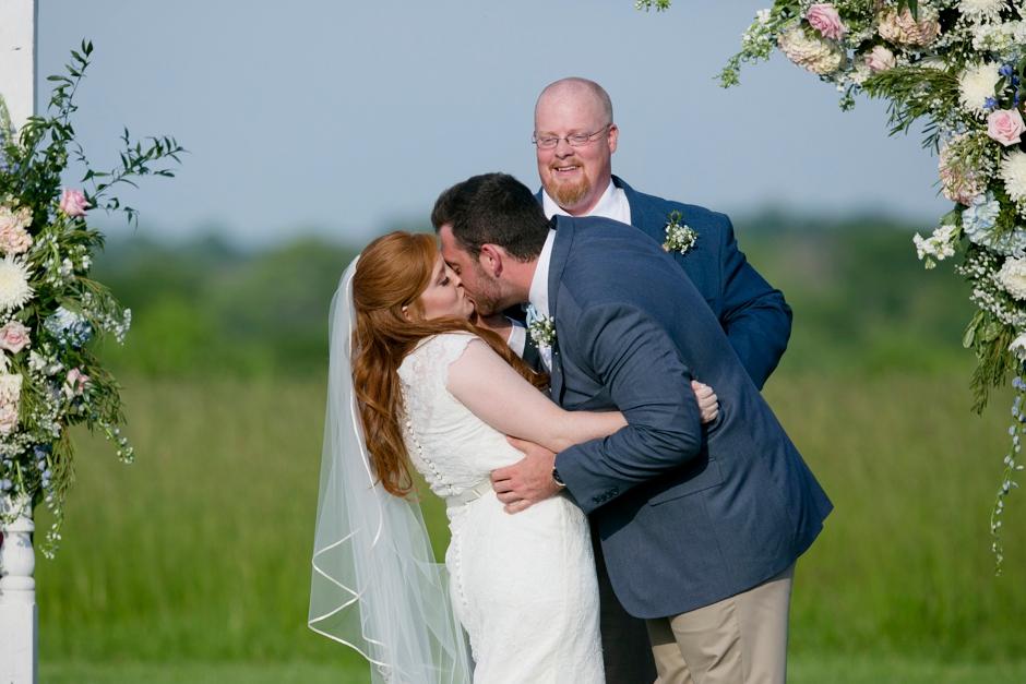 kentucky-spring-wedding-red-orchard-park-blush-611