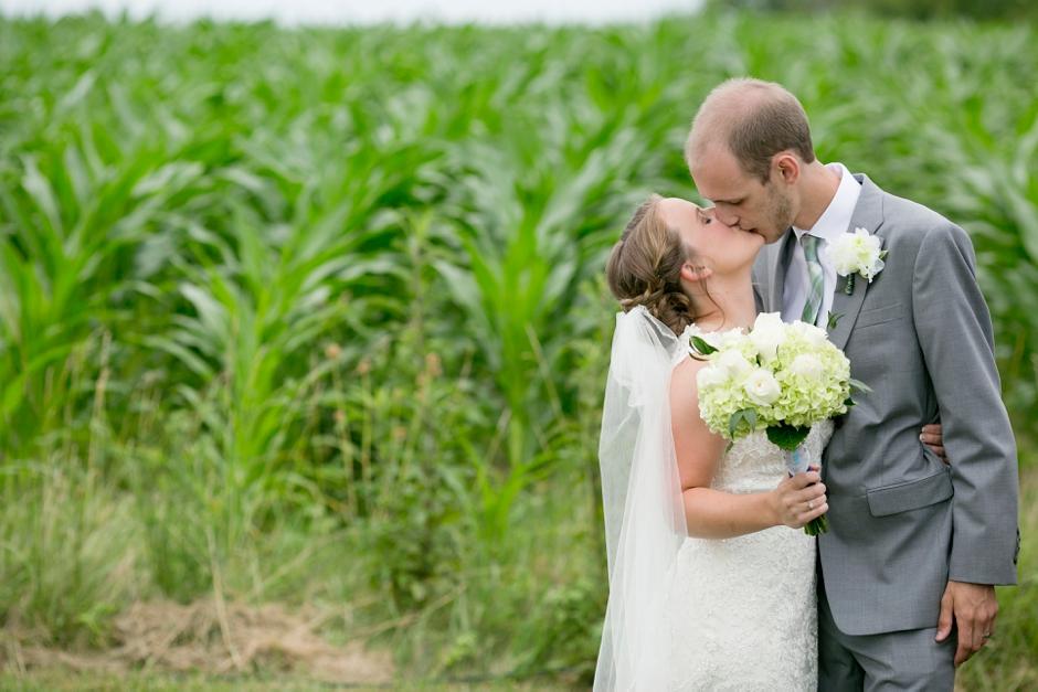 shelby-hills-farm-summer-kentucky-wedding-navy-green-044