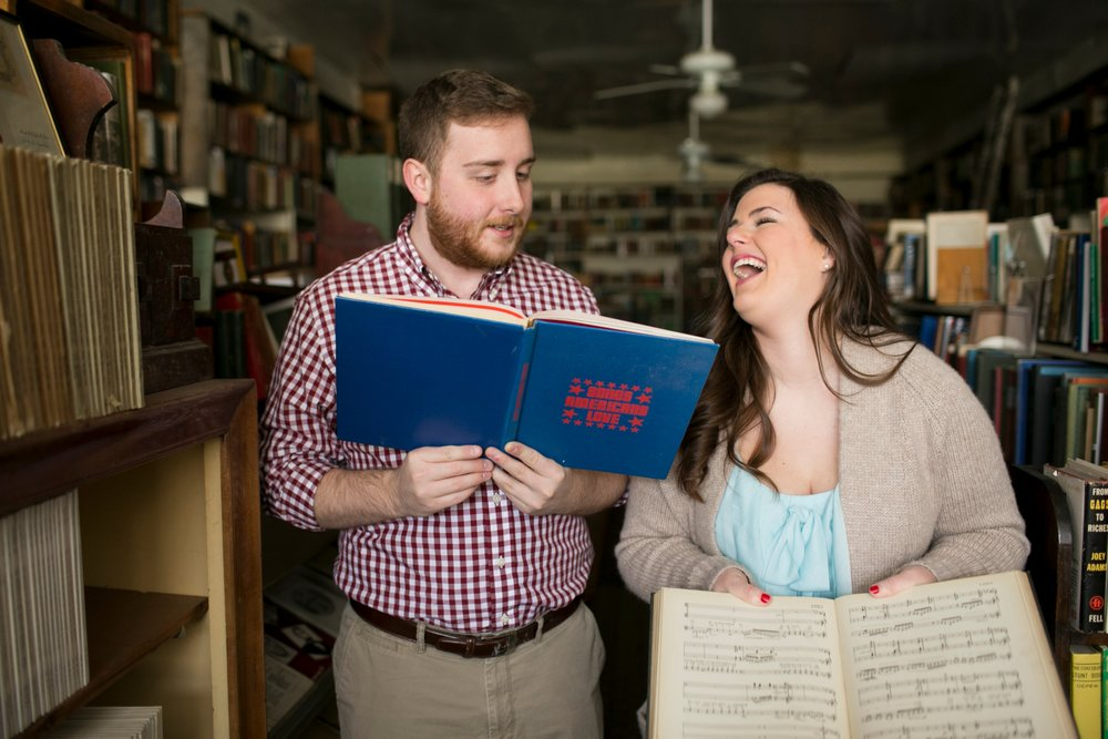 5-frankfort-engagement-pictures-poor-richards-books.jpg