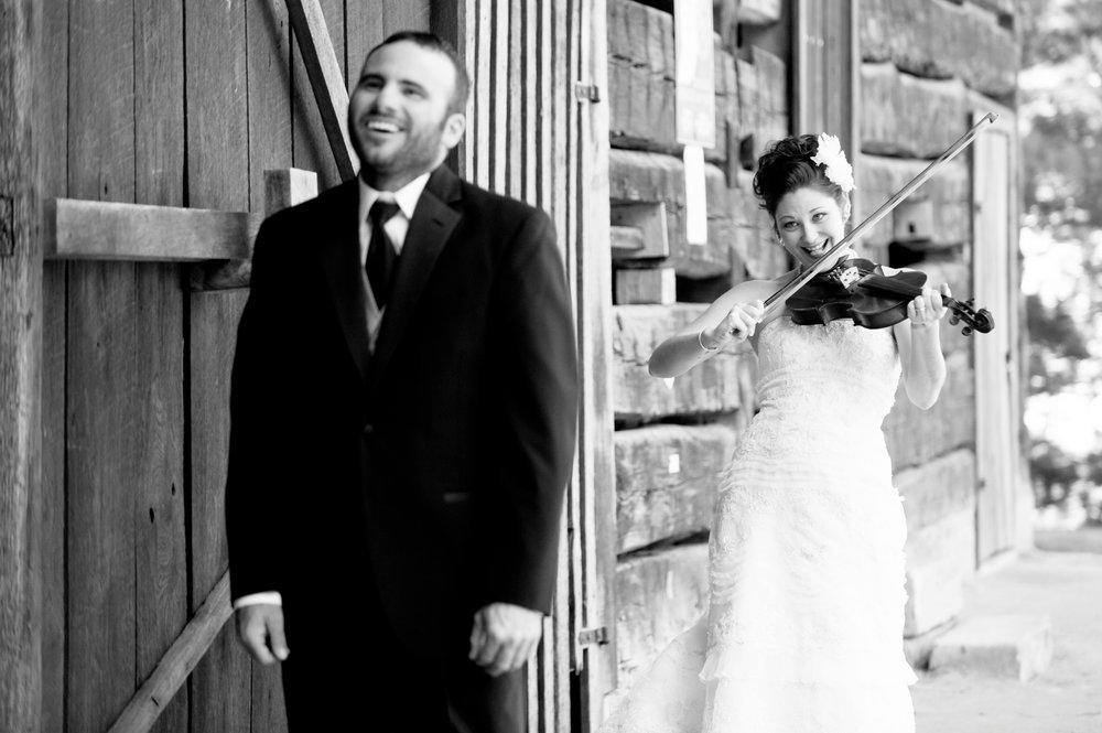 53-violin-playing-wedding.JPG