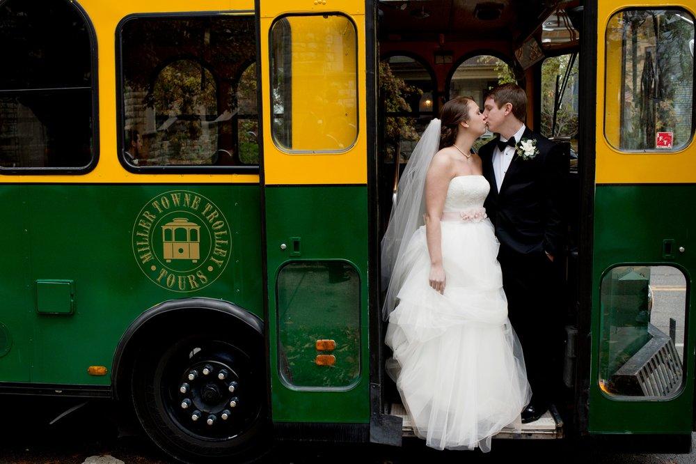 58-louisville-trolley-at-a-wedding.JPG