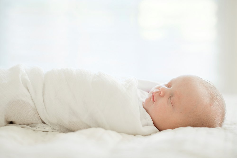 25-sleepy-newborn-pictures-louisville-ky.jpg