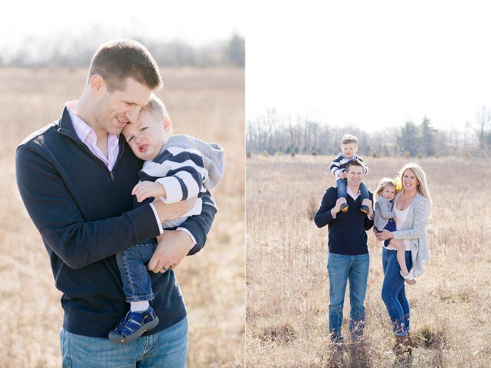 57-kentucky-farm-field-family-photo.jpg