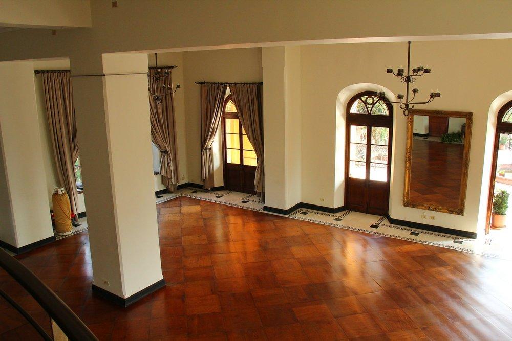 living-room-486547_1920.jpg