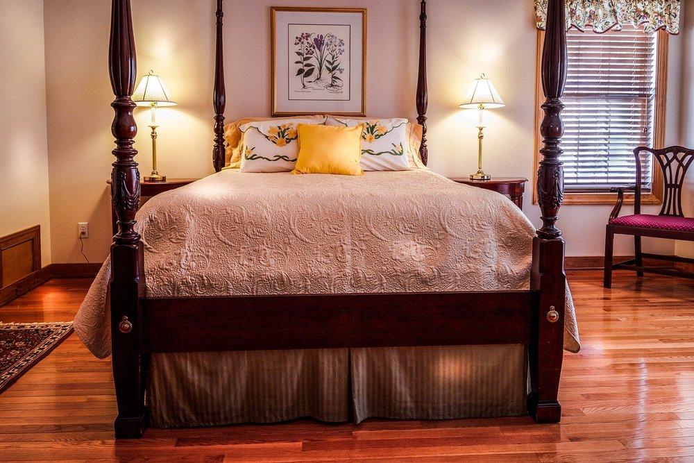 bedroom-665811_1920.jpg
