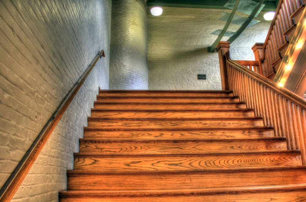 staircase-347318_1920.jpg